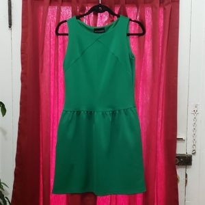 Green midlength dress